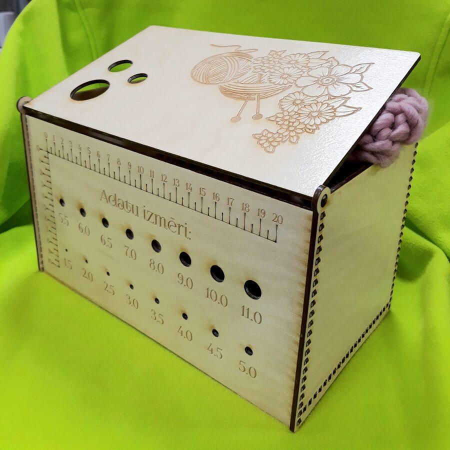 Dzijas kastīte ar vāku
