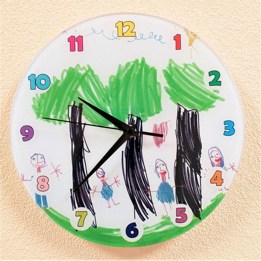Pulkstenis ar Jūsu bērna zīmējumu